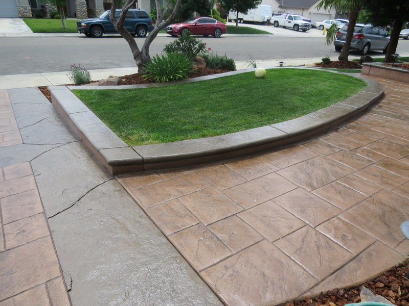 a picture of a resurfaced stone driveway in modesto, ca